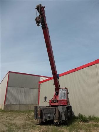 Grue télescopique  clark 44,000 lbs