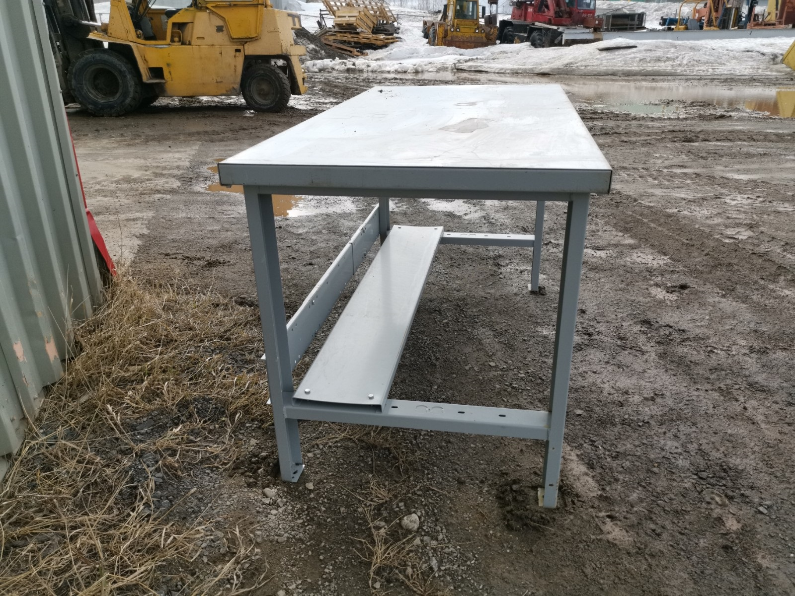 TABLE 30″ X 60″