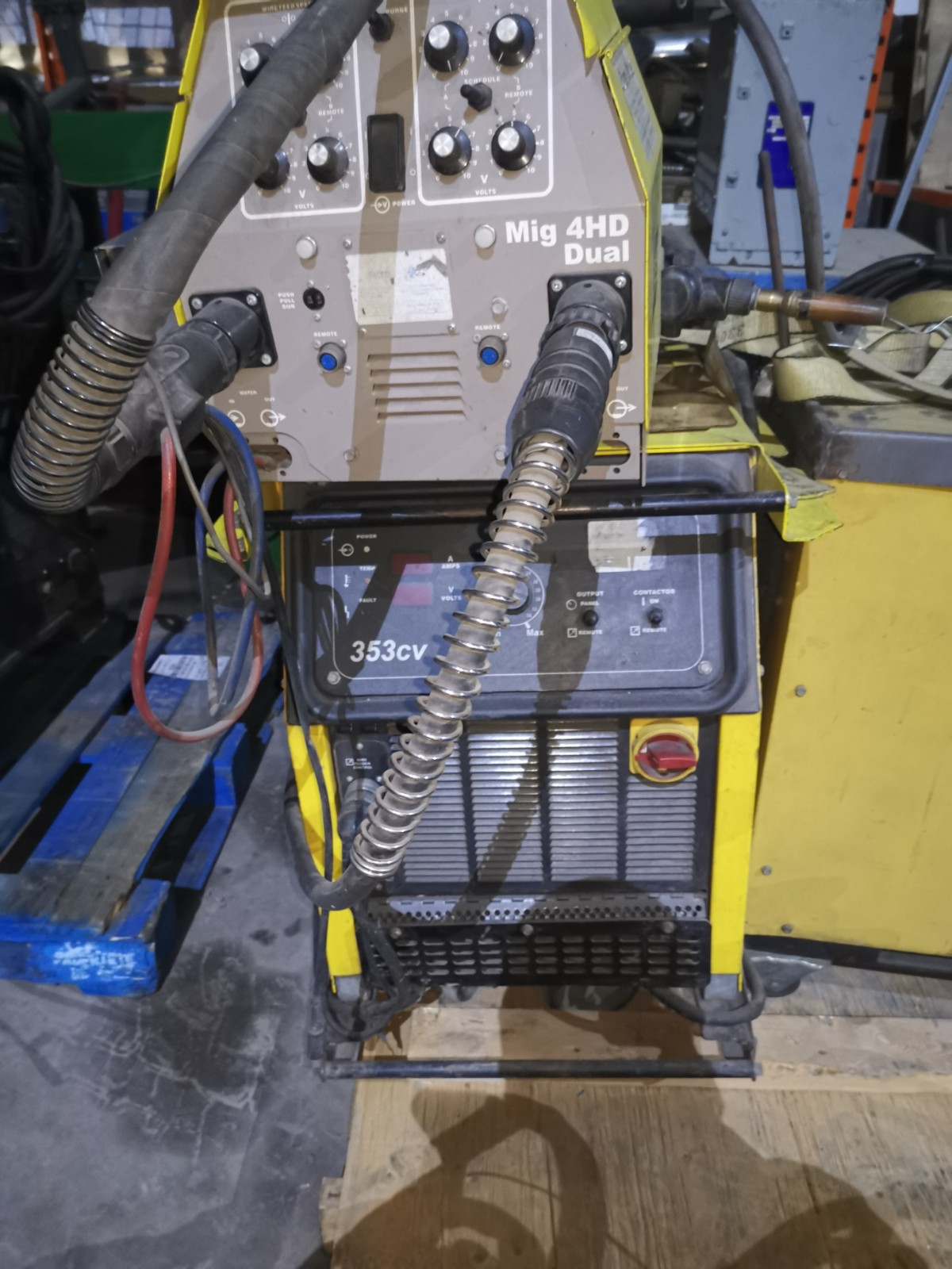 MIG ESAB + DOUBLE WIRE FEEDER